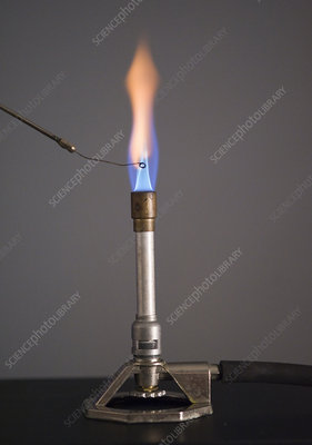 Flame Test for Barium Using Platinum Wire
