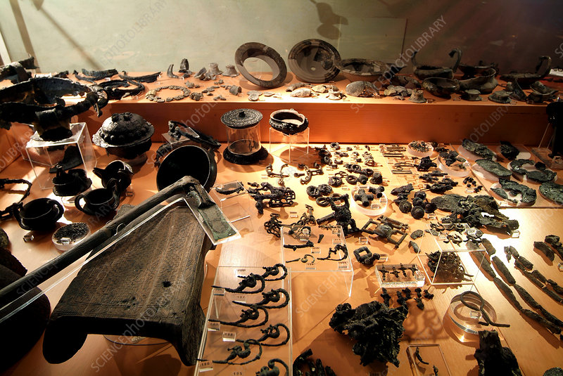 Iron Age artefacts, Villanovan culture museum display