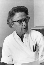 Katherine Pattee Hummel, US geneticist
