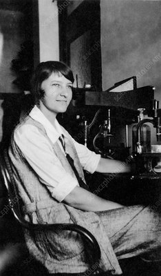 Marie Agnes Hinrichs, US zoologist and physiologist