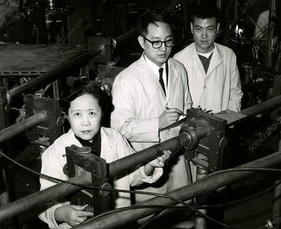 Chinese-US physicist Chien-Shiung Wu and colleagues, 1963