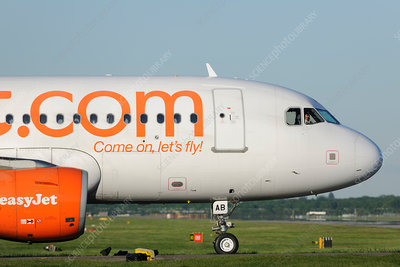 Airbus A319 taxiing