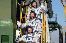ISS Expedition 46 crew at launch pad