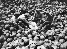 Card game on trench mortar shells, First World War