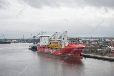 Heavy-lift cargo ship, River Tyne, UK