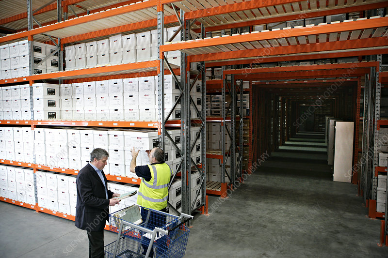 Selecting box in storage facility