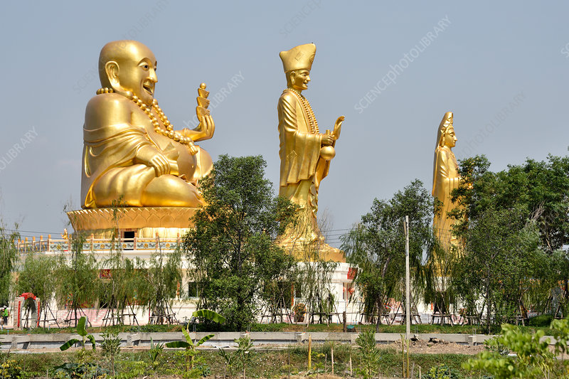 Golden statues at the Chinese Cultural Centre