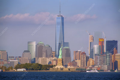 Statue of Liberty and One World Trade Center 07
