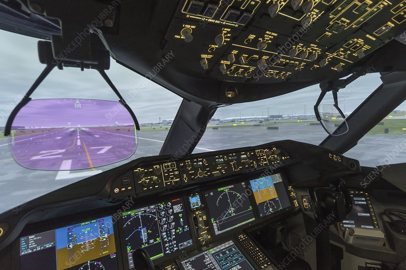 View through airliner heads-up display - Stock Image - C040/3430