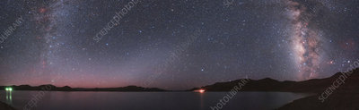 Milky Way over Yamdrok Lake