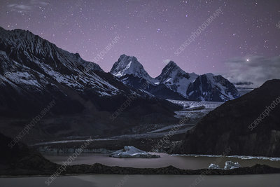 Laigu Glacier at night