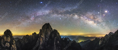 Milky Way over Mount Huangshan