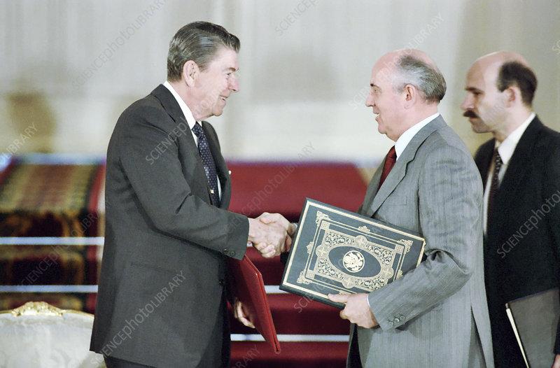 Reagan and Gorbachev at INF Treaty signing