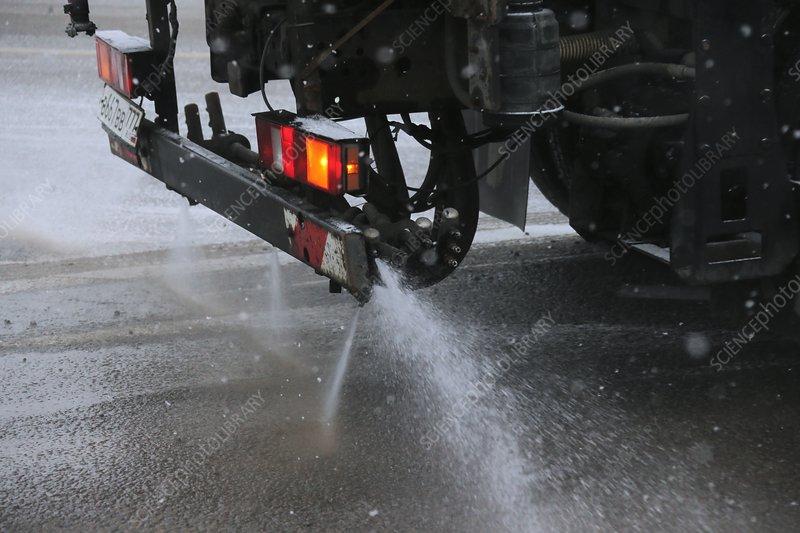 Road de-icing, Russia