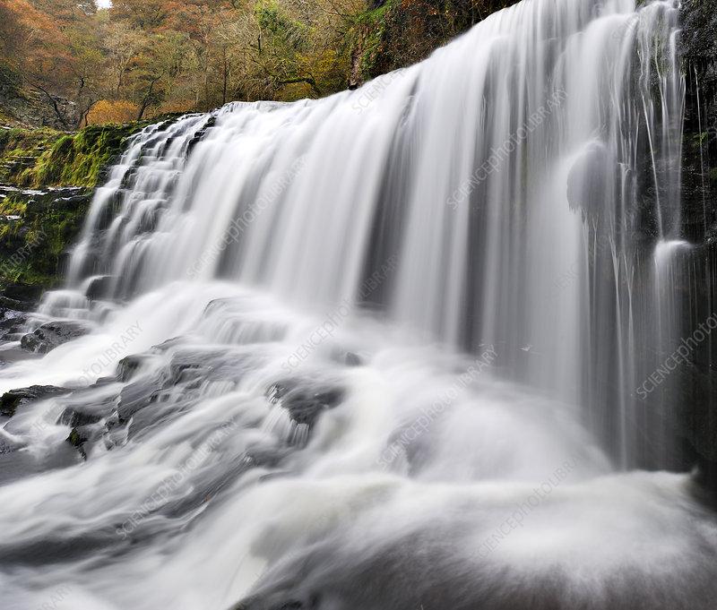 Sgwd Isaf Clun-gwyn waterfall, Ystradfellte, Wales, UK