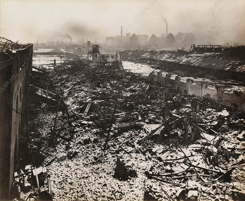 Silvertown munitions factory explosion, 1917