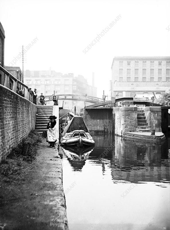 Regent's Canal at Hawley Lock, Camden, London, c1905