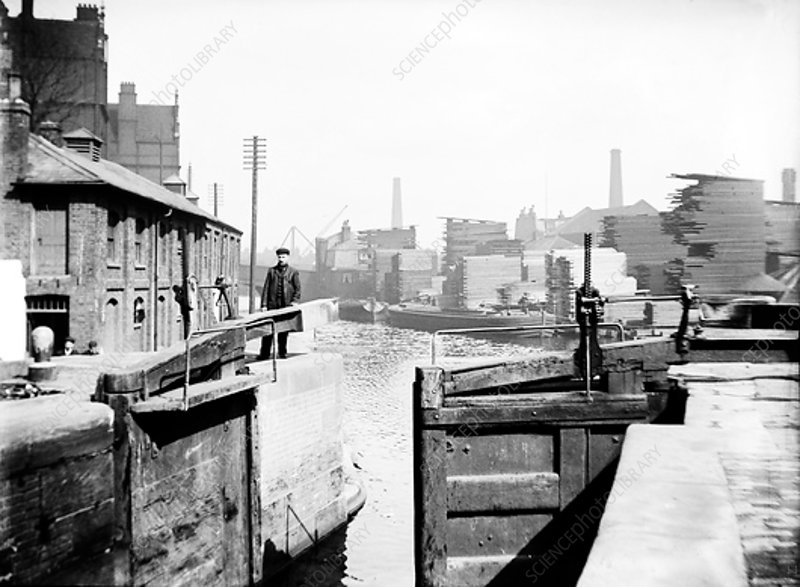 Industrial landscape on the Regent's Canal, London, c1905