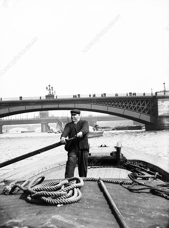 Lighter on the Thames, London, c1905