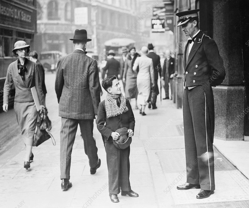Trocadero pageboy, Westminster, London, 1935