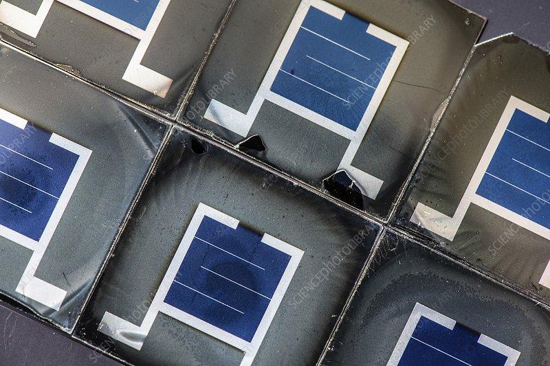 Perovskite silicon tandem solar cells