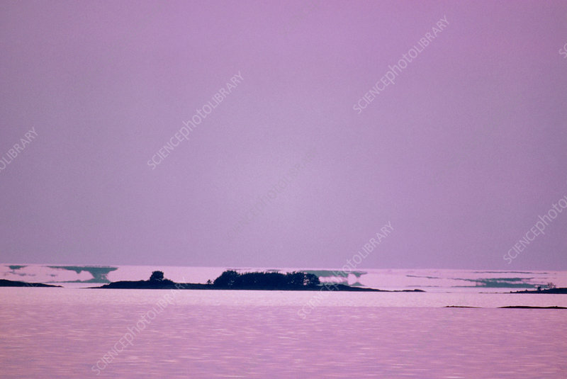 Image of islands seen as mirages above the horizon