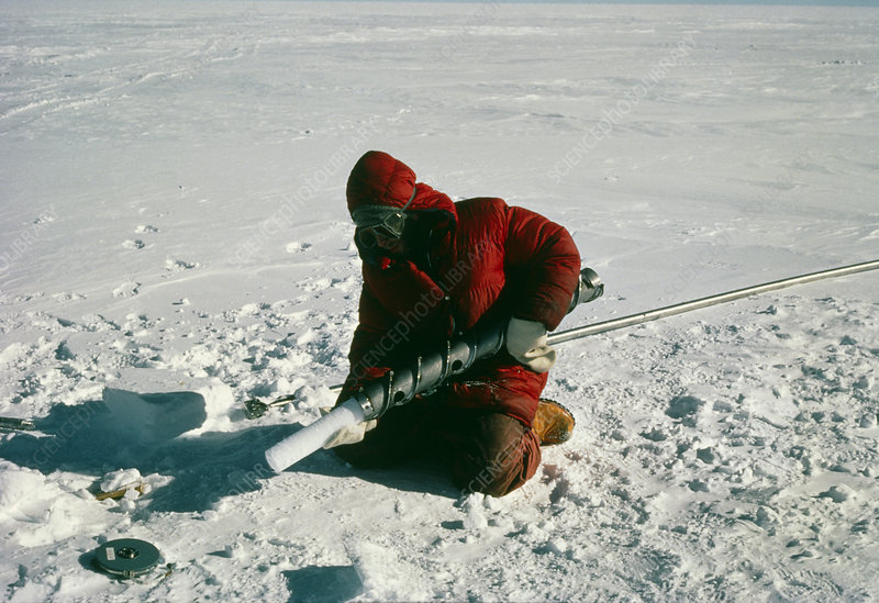 Extracting ice core from drilling apparatus