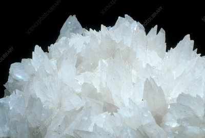 Macrophotograph of crystals of calcite