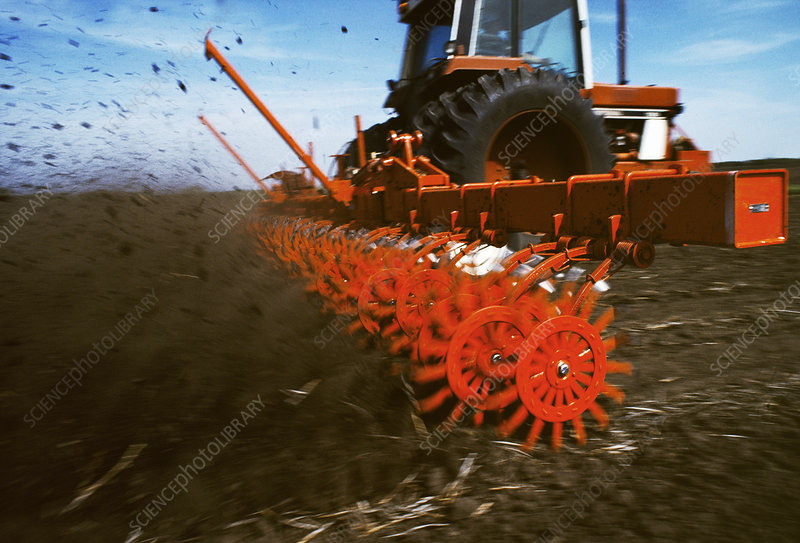 Mechanised tilling of a field