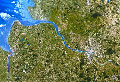True-colour satellite image of Hamburg, Germany
