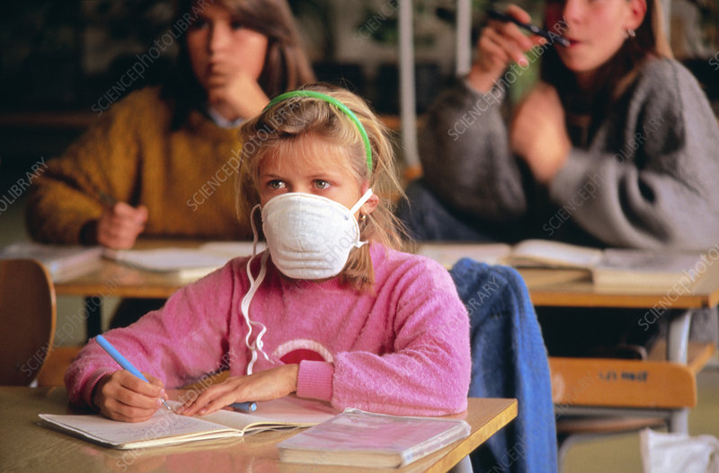 Child wearing a facemask at school, Czech Rep.