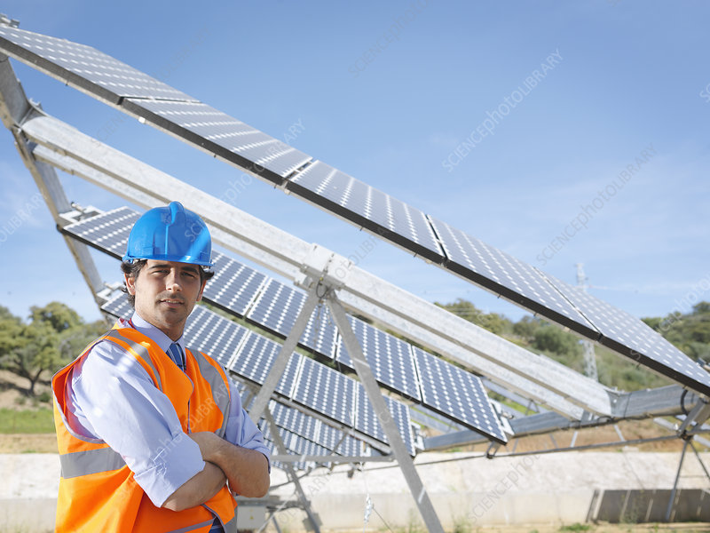 Spanish solar power station and engineer