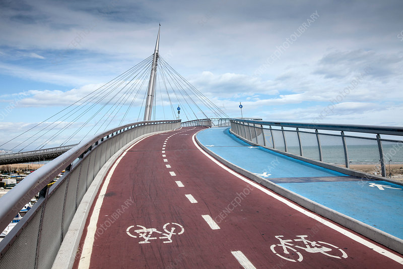 Pedestrian and cycle bridge, Italy
