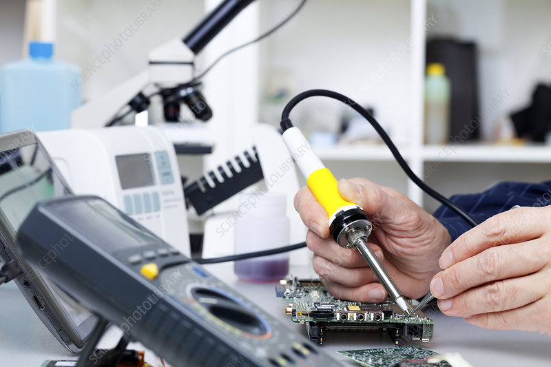 Soldering equipment and electronic parts