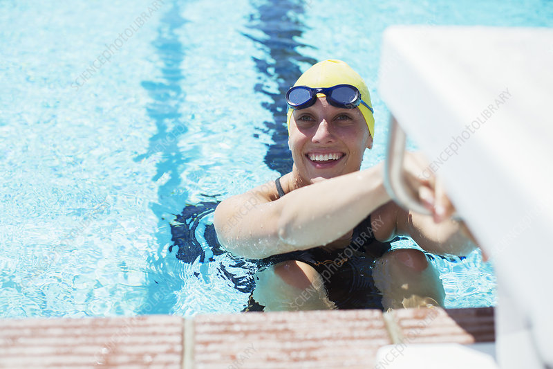 Woman swimming - Stock Image - F027/7172 - Science Photo