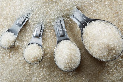 Measuring spoons with sugar