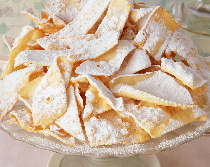 Traditional Italian party food, Chiacchiere
