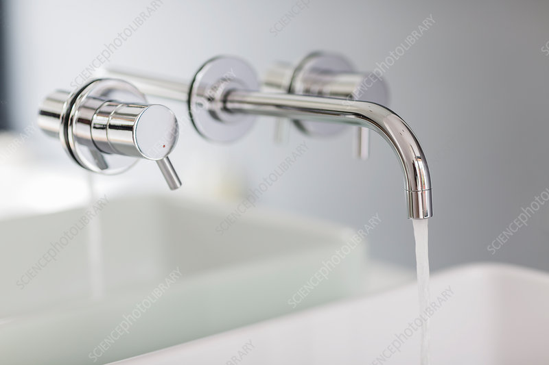 Bath faucet with running water
