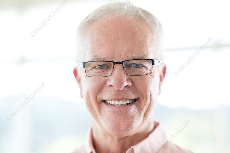 Senior man wearing glasses