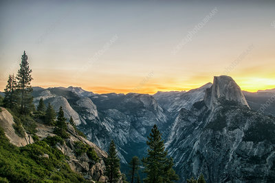 The mountain range in Yosemite valley at sunset
