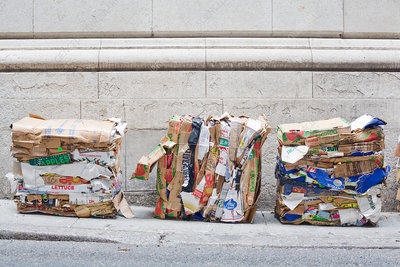 Compacted cardboard for recycling
