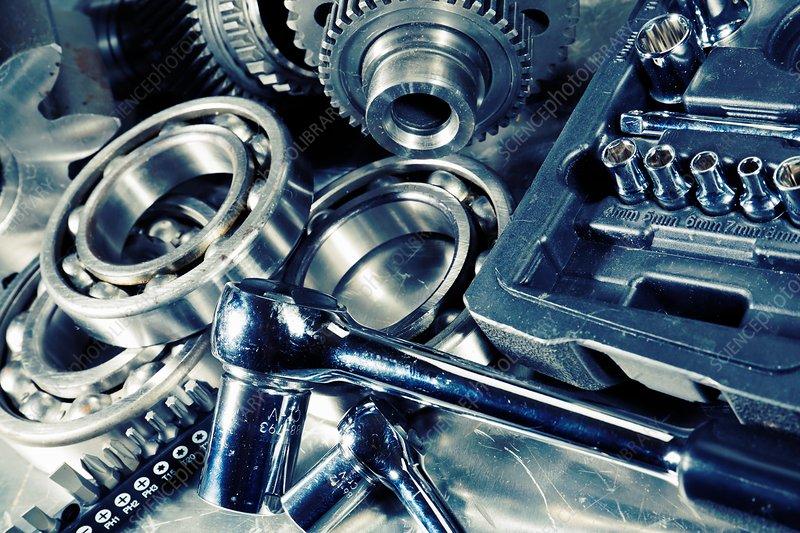 Spanner set with machine parts