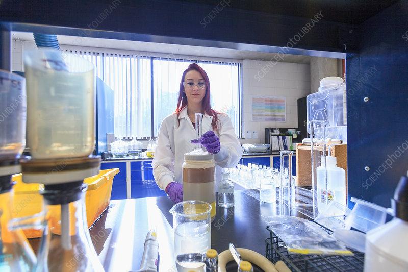 Chemist preparing apparatus