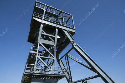Mine shaft headframe