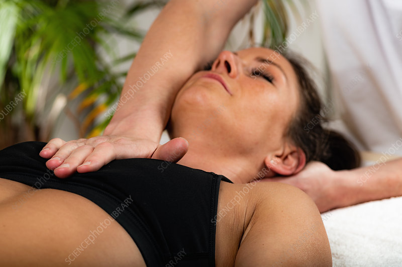 Osteopathy treatment for neck pain