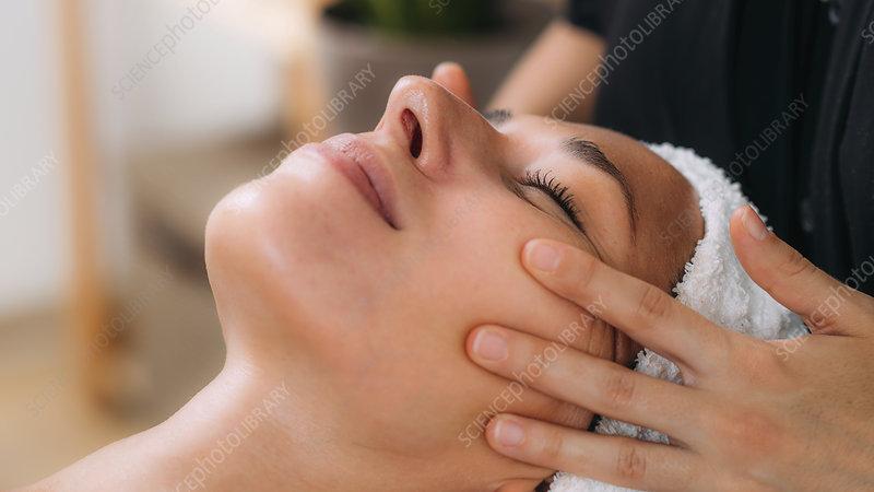 Ayurveda face massage