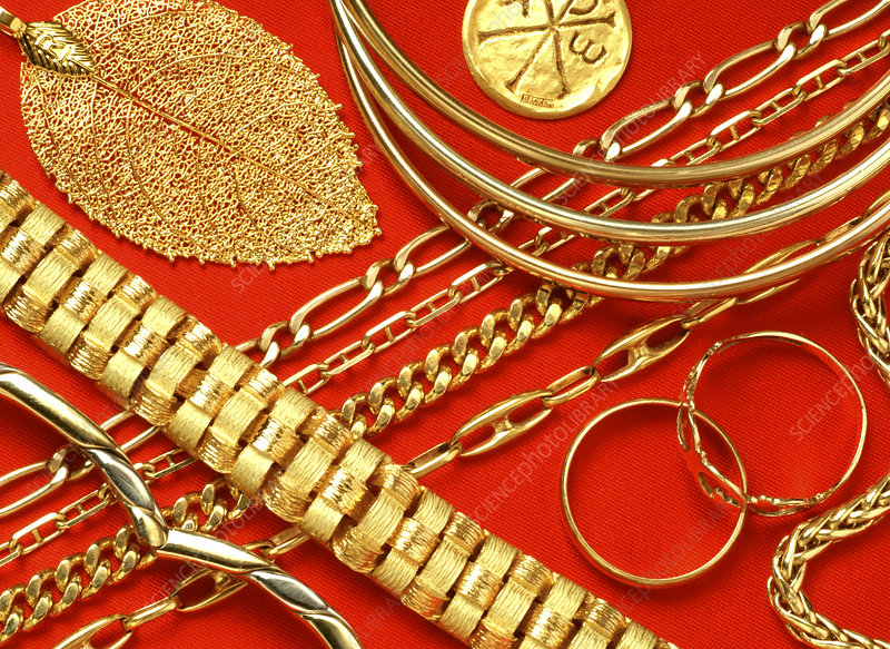Assorted gold jewellery
