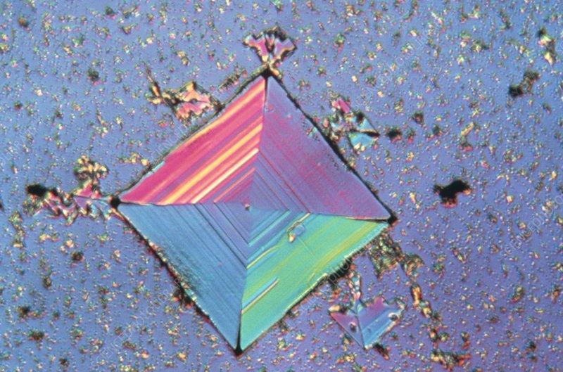 Polarised light micrograph of a salt crystal