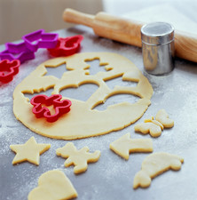 Pastry dough shapes