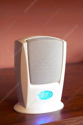 Electronic doorbell speaker